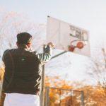 homme-shoot-basket